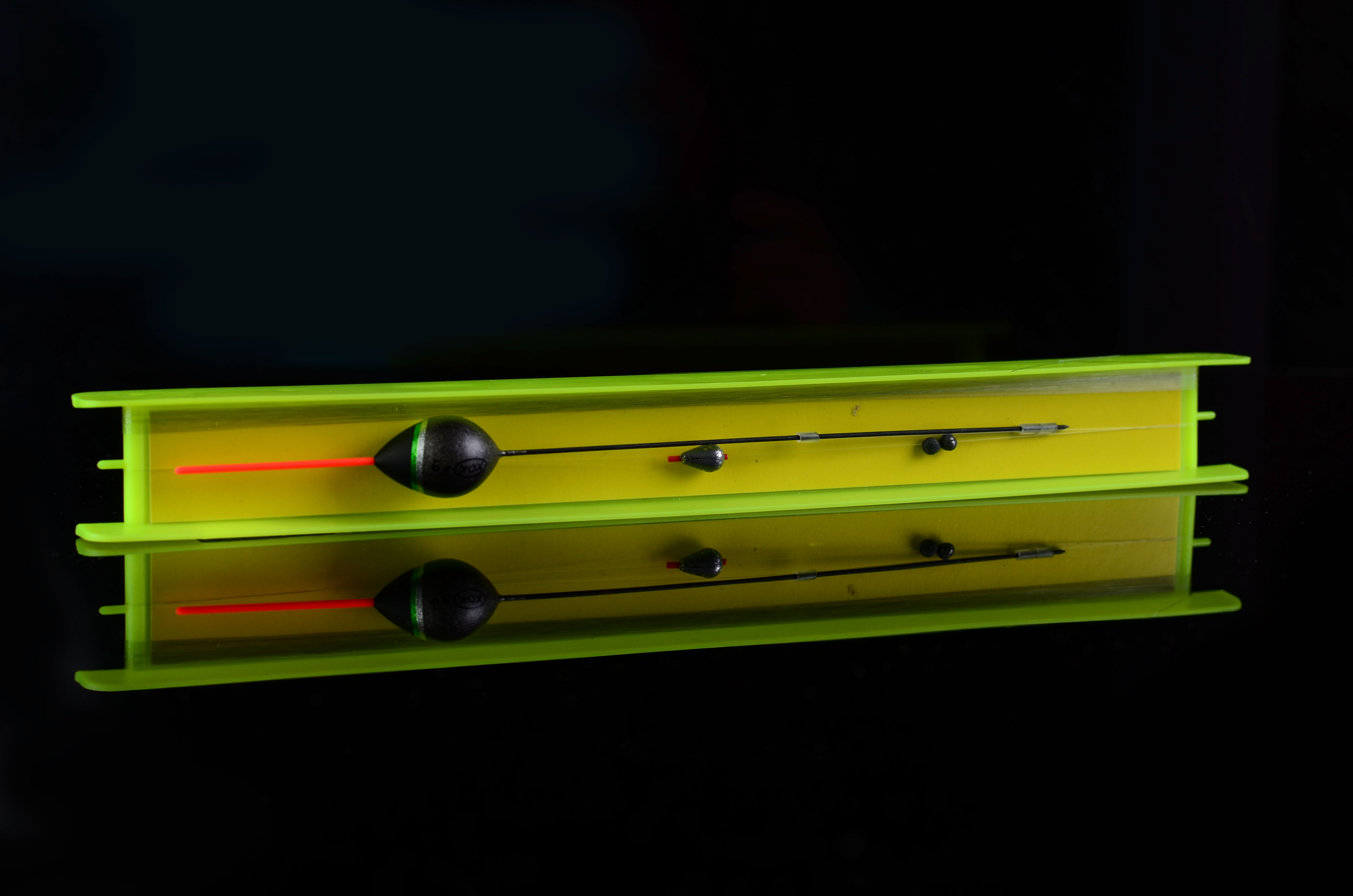 Остнастка 32100-Z 4 гр. леска 0,14*20м. крючок №14 cannelle